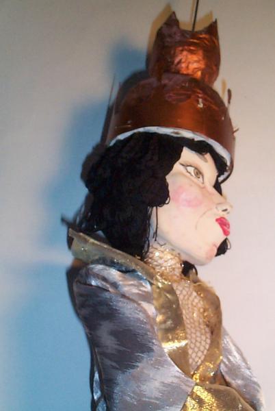 marionnette, la reine